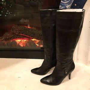 Nine West 8M Manhunto Black Heeled Boots